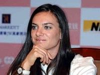 Елена Исинбаева побеждает в Шанхае