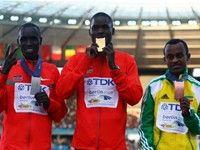 Мужской марафон выигрывают кенийцы