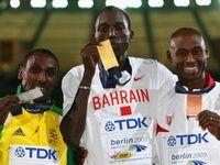 Кениец с паспортом Бахрейна принимает почести в двух странах